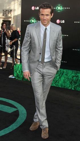 цвет обуви под серый костюм